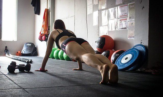 Jak wspomagać organizm podczas treningów?